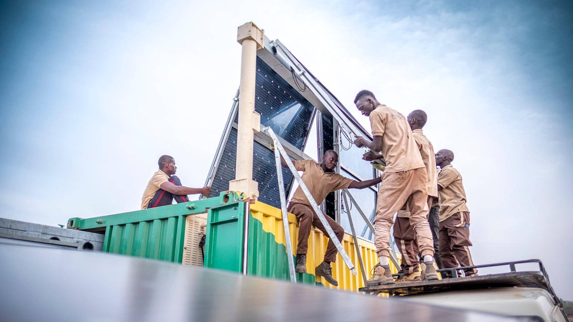 Africa-GreenTec-Solartainer-Aufbau
